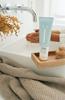 Beeld van NAÏF grown cleansing face wash